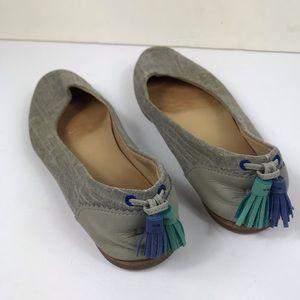 Ugg gray Mesa flats round toe tassels size 7 shoe